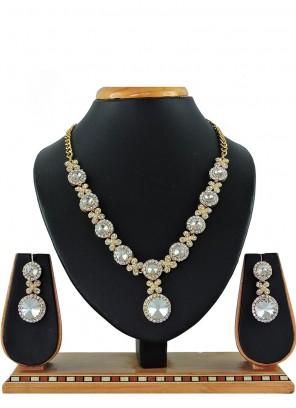 White Stone Work Necklace Set