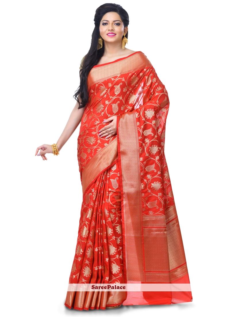 Zari Banarasi Silk Classic Designer Saree in Red